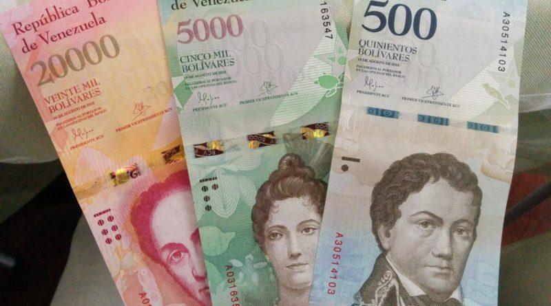 Venezuela: Nicolás Maduro elimina cinco ceros a la moneda y pospone la reconversión monetaria